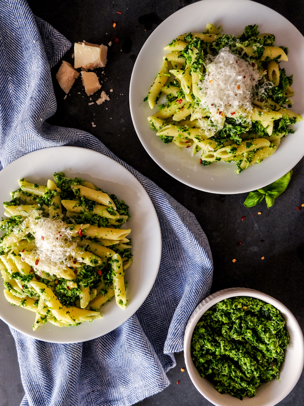 Garden pea and kale pesto pasta | Hello Victoria